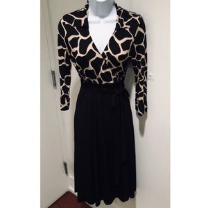 3/4 Sleeve Wrap dress in Giraffe Print